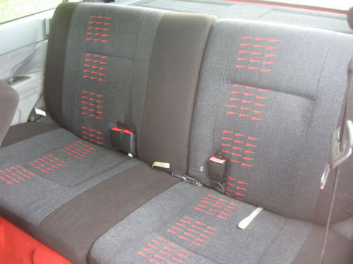 1988 renault r 5 gt turbo 3dr rear seats