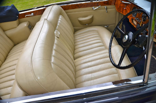 1959 Rolls Royce Silver Cloud 1 H.J. Mulliner Convertible Interior 2