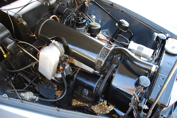 1959 rover p4 engine bay