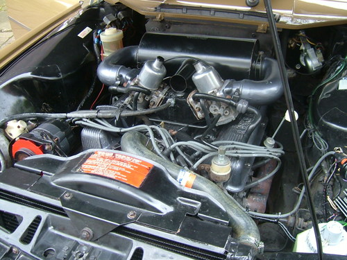 1974 rover 3500s p6 engine bay