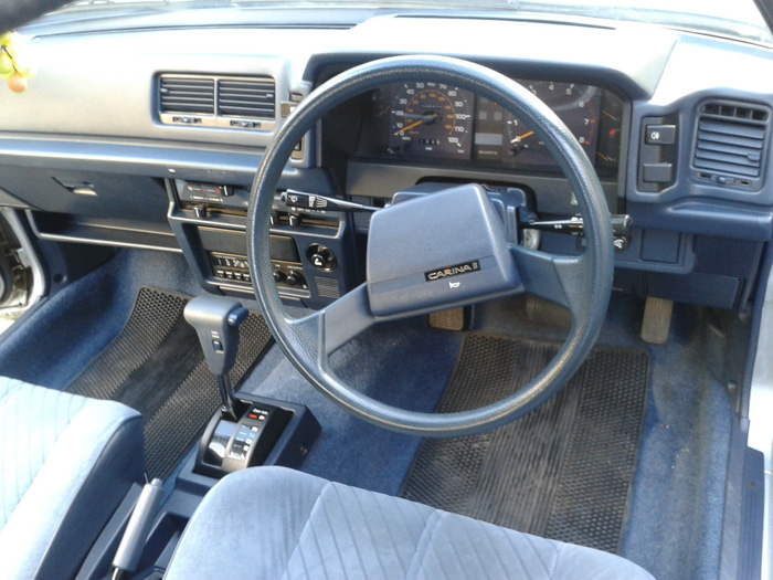 1984 Toyota Carina II 1.6 GL Dashboard Steering Wheel