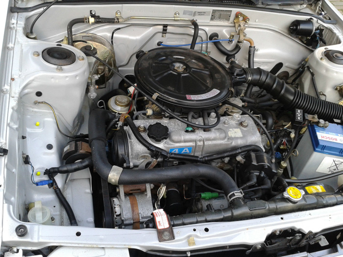 1984 Toyota Carina II 1.6 GL Engine Bay