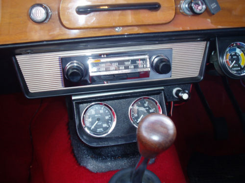 1967 Triumph Herald 1200 Radio Gauges