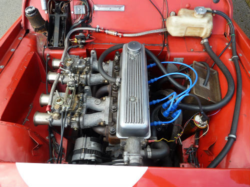 1958 triumph tr3a classic historic race car engine bay 2