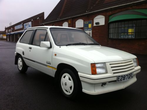 1987 vauxhall nova club white 1