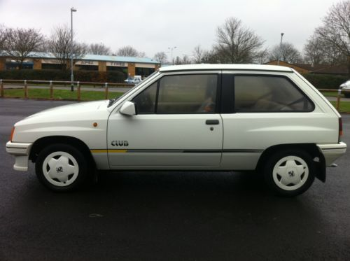 1987 vauxhall nova club white 3