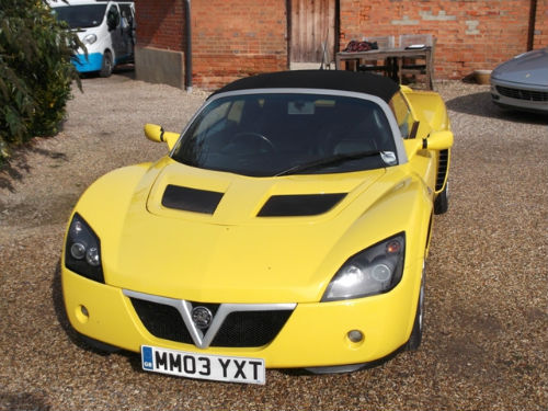 2003 vauxhall vx220 2.0i 16v turbo roadster yellow front