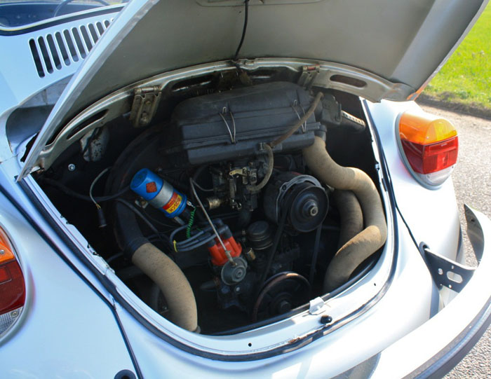 1978 vw beetle no.300 of 300 engine bay