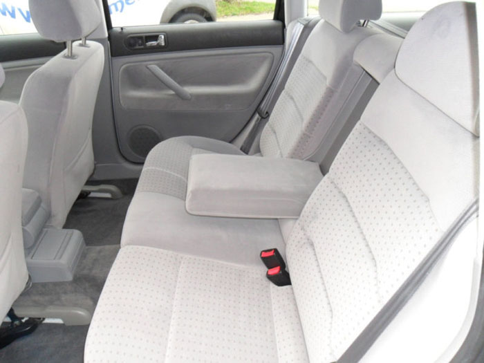 1998 volkswagen passat 1.6 se estate interior 3