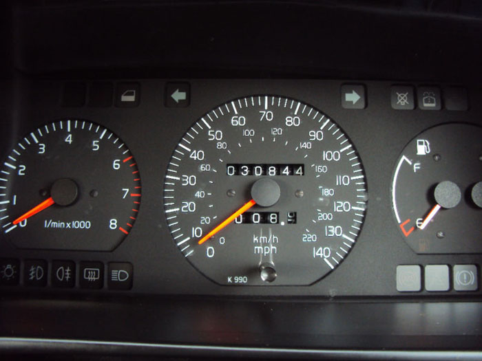 1994 volvo 440 li red dashboard