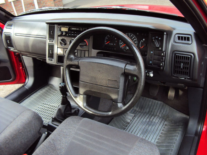 1994 volvo 440 li red interior 2