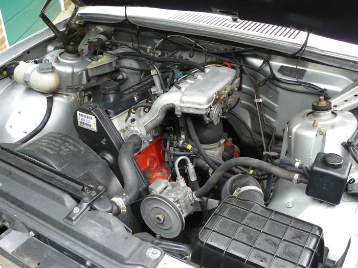 1989 volvo 740 gl silver engine bay 2