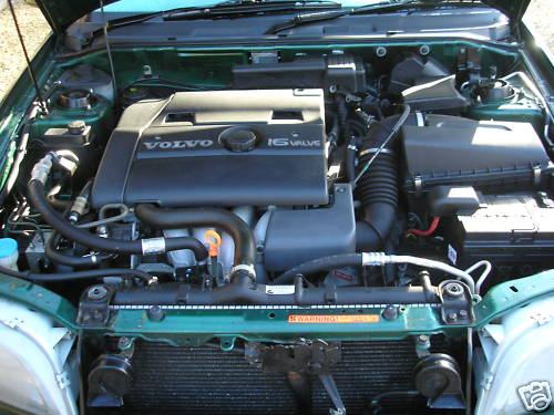 volvo s40 cd 2.0i automatic engine bay