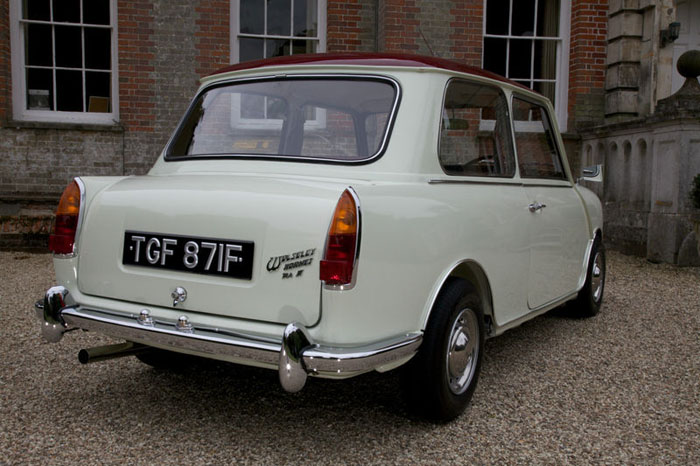 1968 wolseley hornet mk3 show winning concourse condition car back