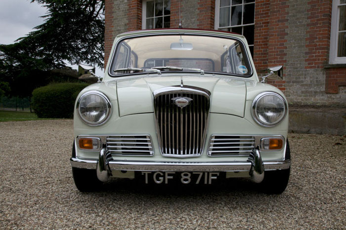 1968 wolseley hornet mk3 show winning concourse condition car front