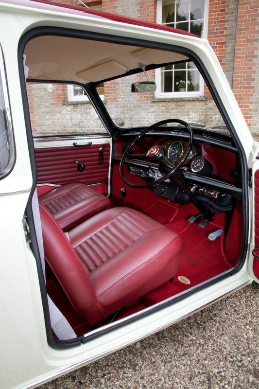1968 wolseley hornet mk3 show winning concourse condition car interior